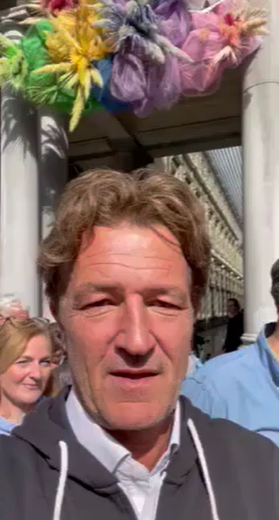 À Bruxelles, pour 2 émissions !